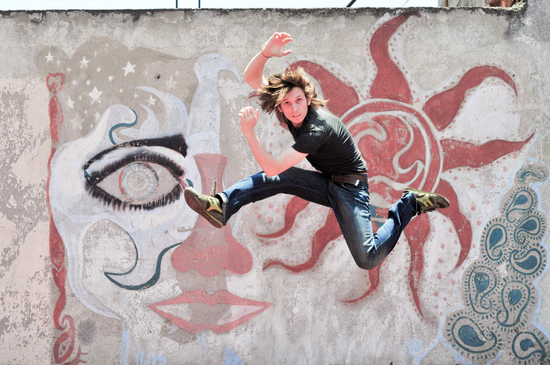 Man Jumping With Rough Wall__1428400083_124.6.230.5